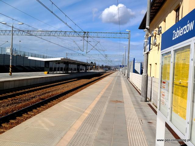 Stacja kolei podmiejskiej w Zabierzowie po remoncie w 2019 r.